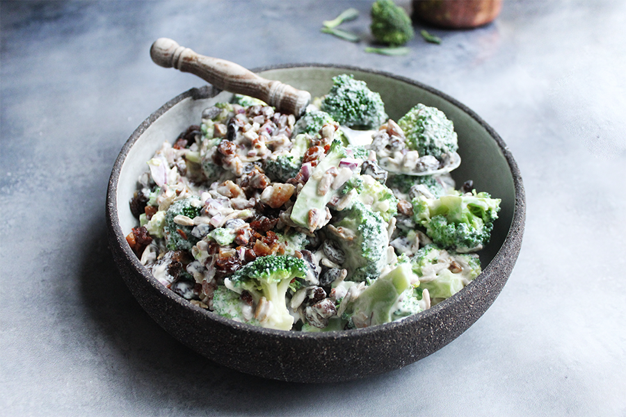 Sund broccolisalat med bacon